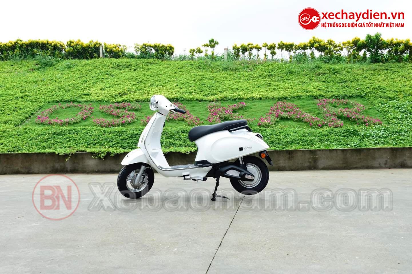 Xe máy điện Nispa SV Osakar màu trắng